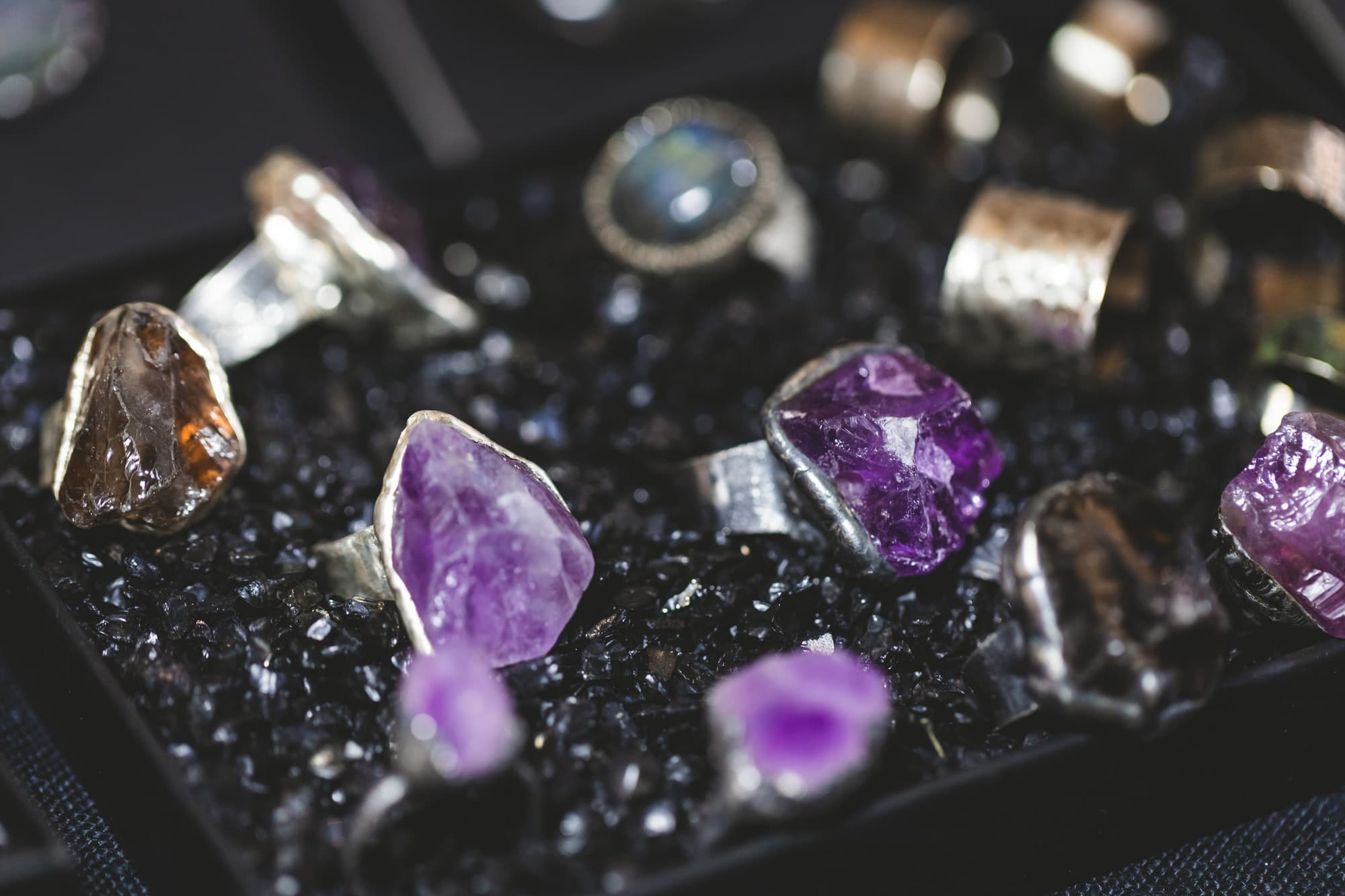 Magic silver rings with amethyst and rauchtopas
